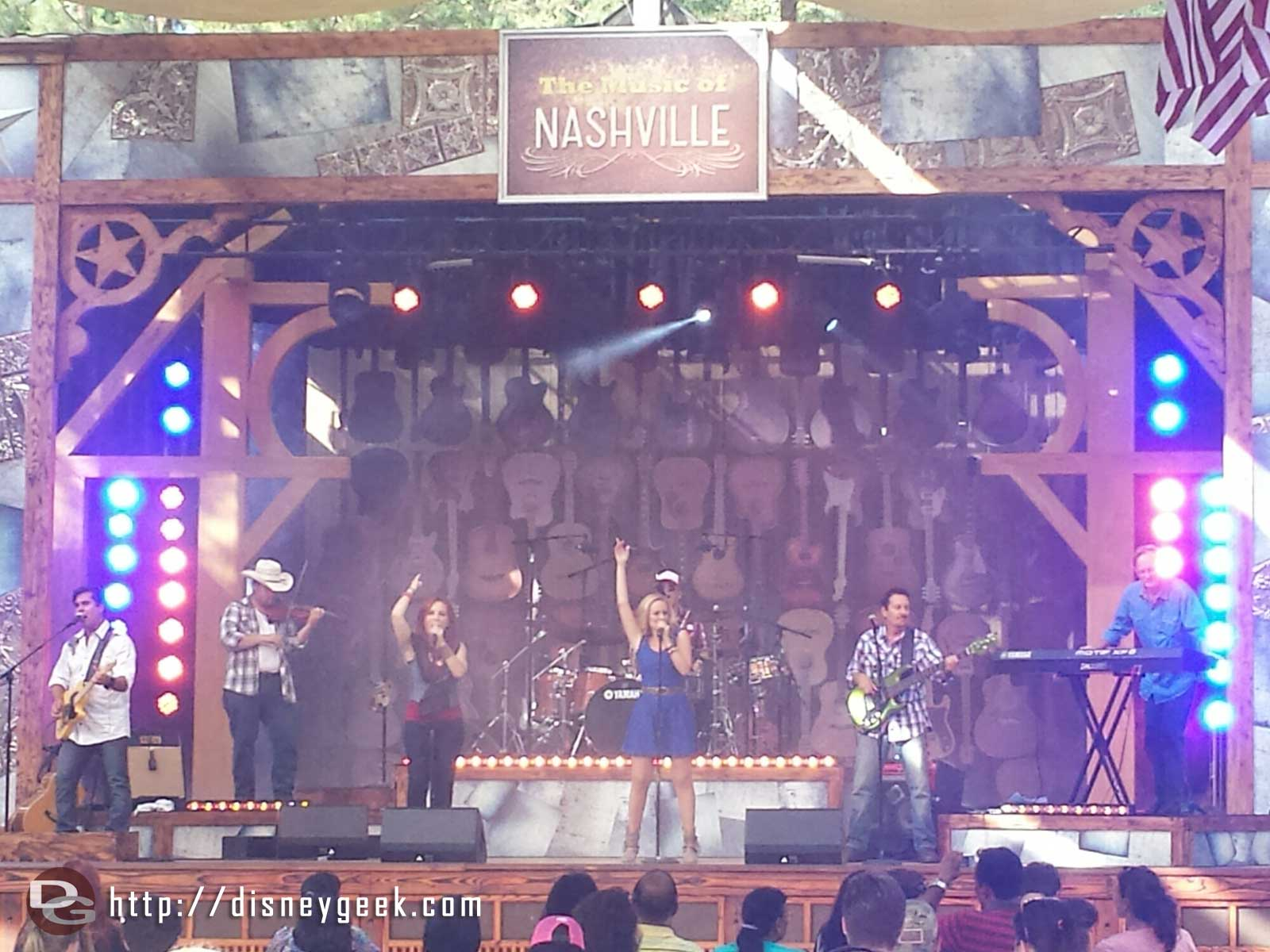 Stopped by to catch the last set of the Music of Nashville at the Big Thunder Ranch Jamboree #Disneyland