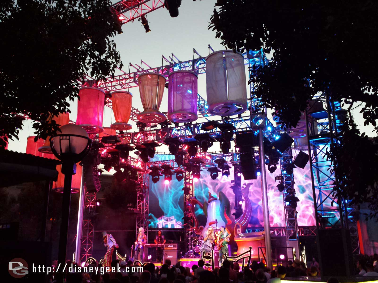 #MadTParty Band performing as I passed through Hollywood Land