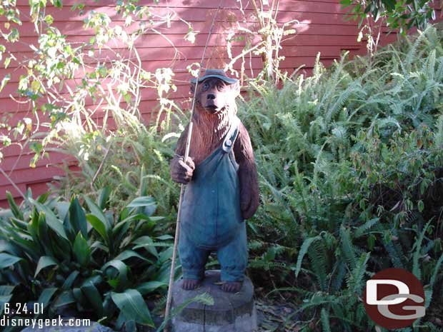 Critter Country Water Fall Fishing Bear - 2001