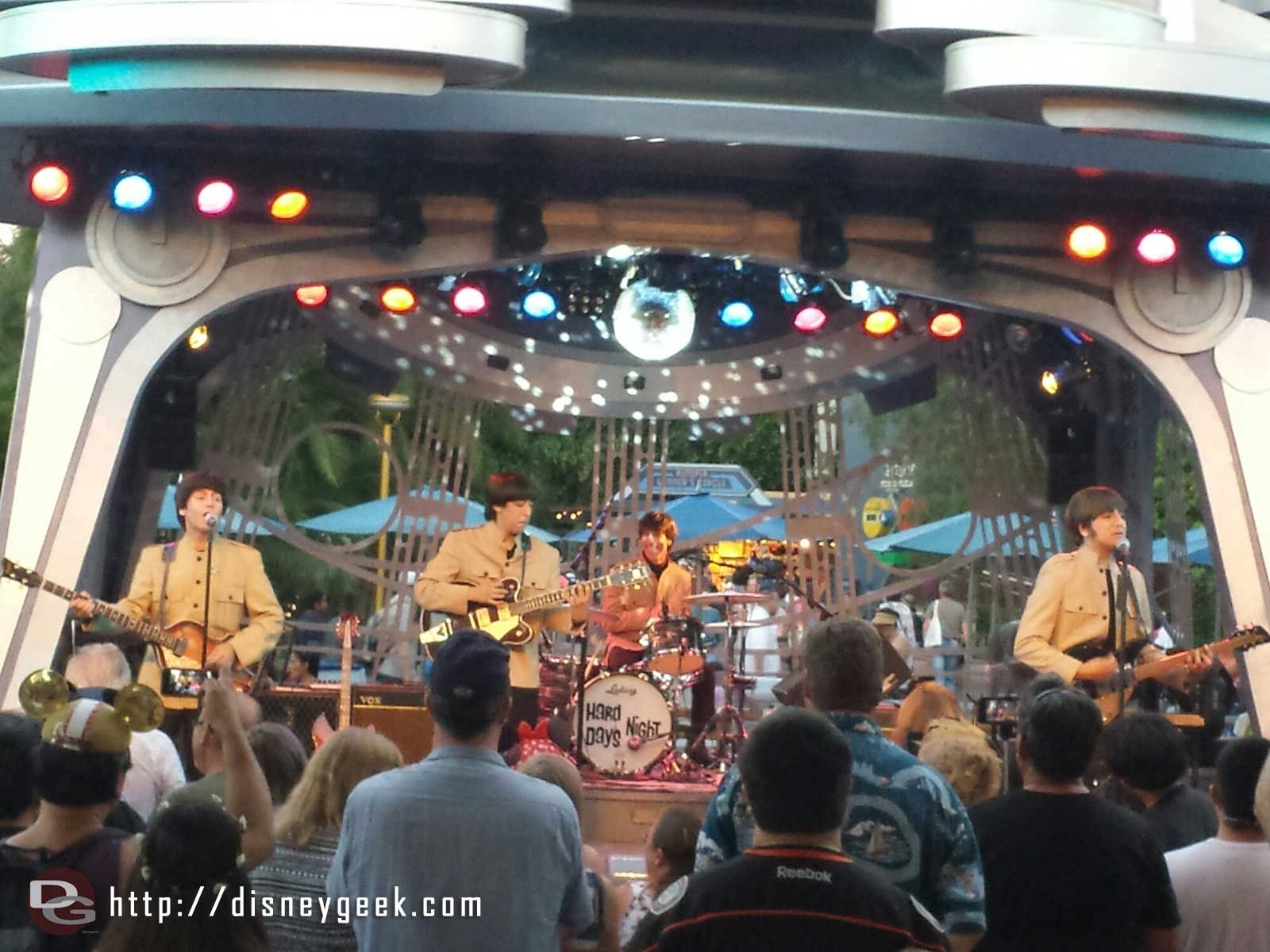 The 2nd show by Hard Days Night at Tomorrowland Terrace #Disneyland