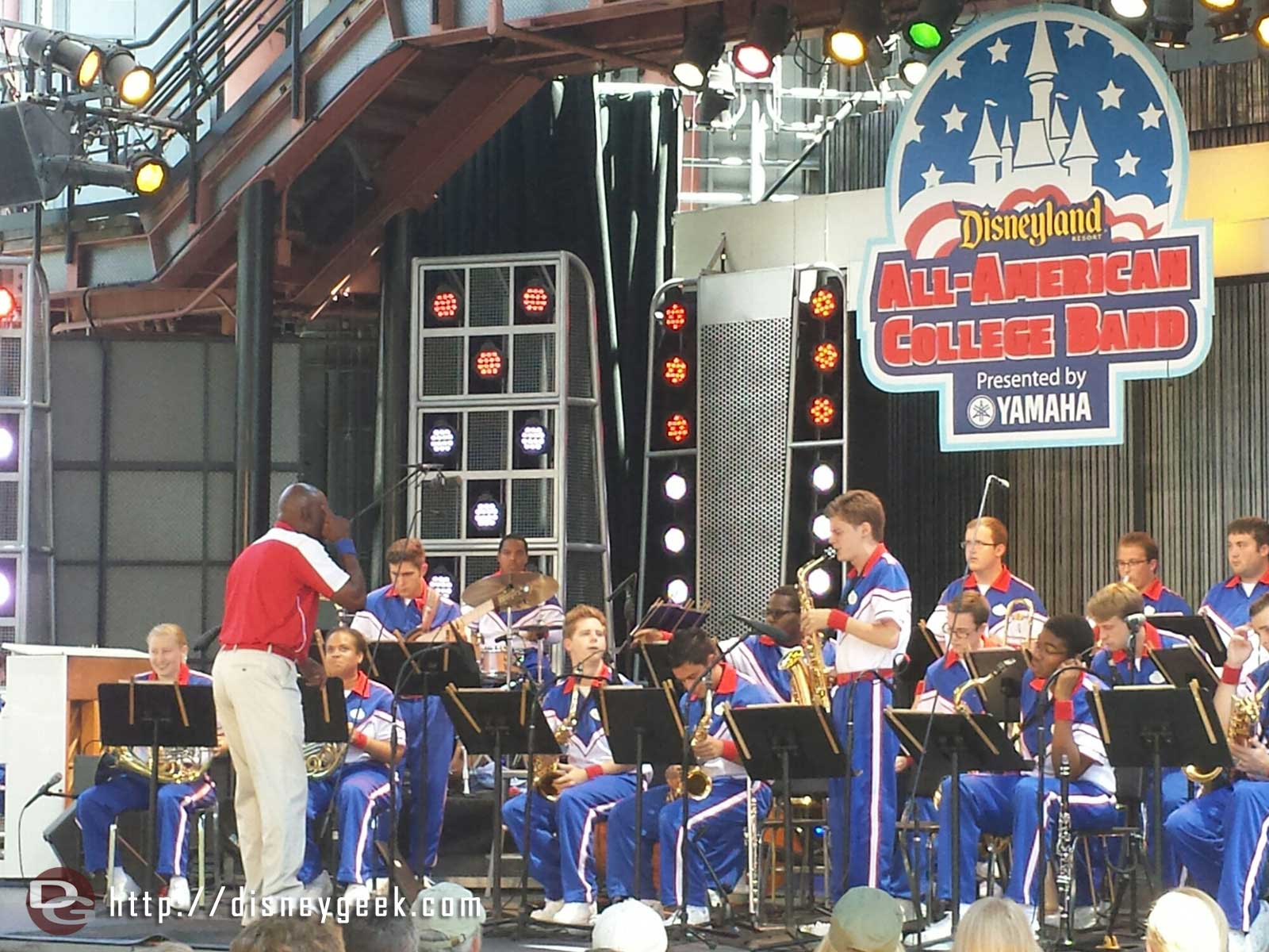 Only one more week left to enjoy the 2014 #Disneyland All-American College Band here they are at the 1:50 set in Hollywood Land