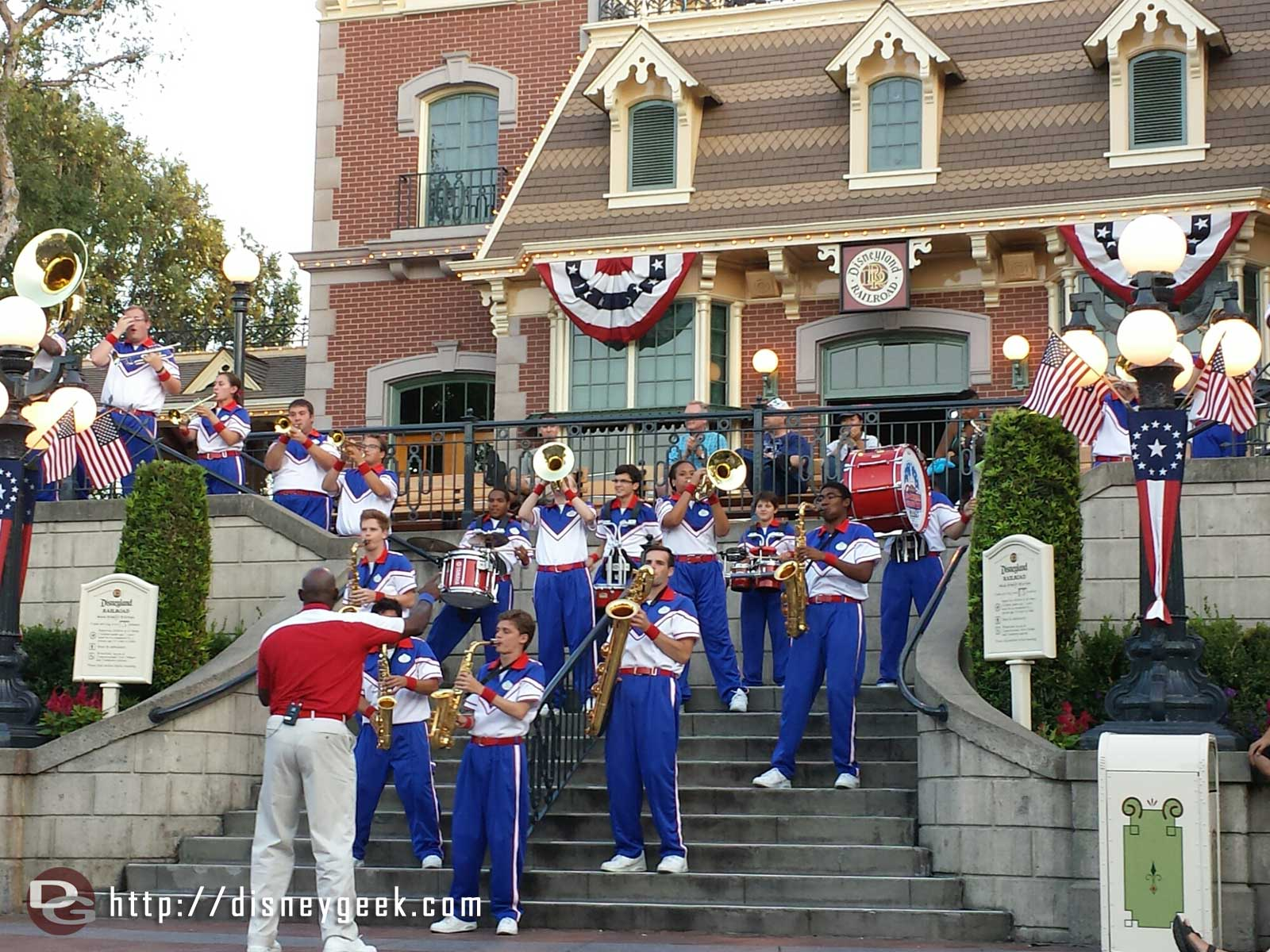 Only one more week to catch the 2014 #Disneyland All-American College Band performing Bubbles was a Cheerleader