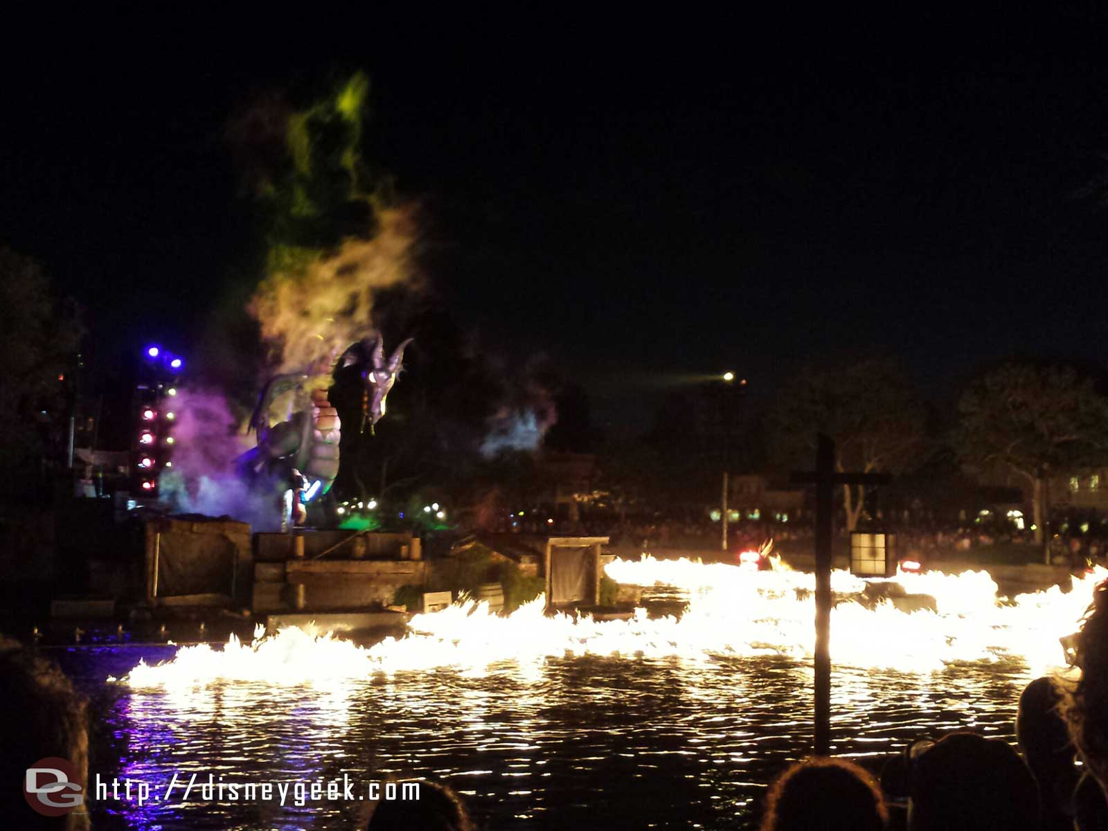 #Fantasmic Mickey battling Maleficent  dragon #Disneyland