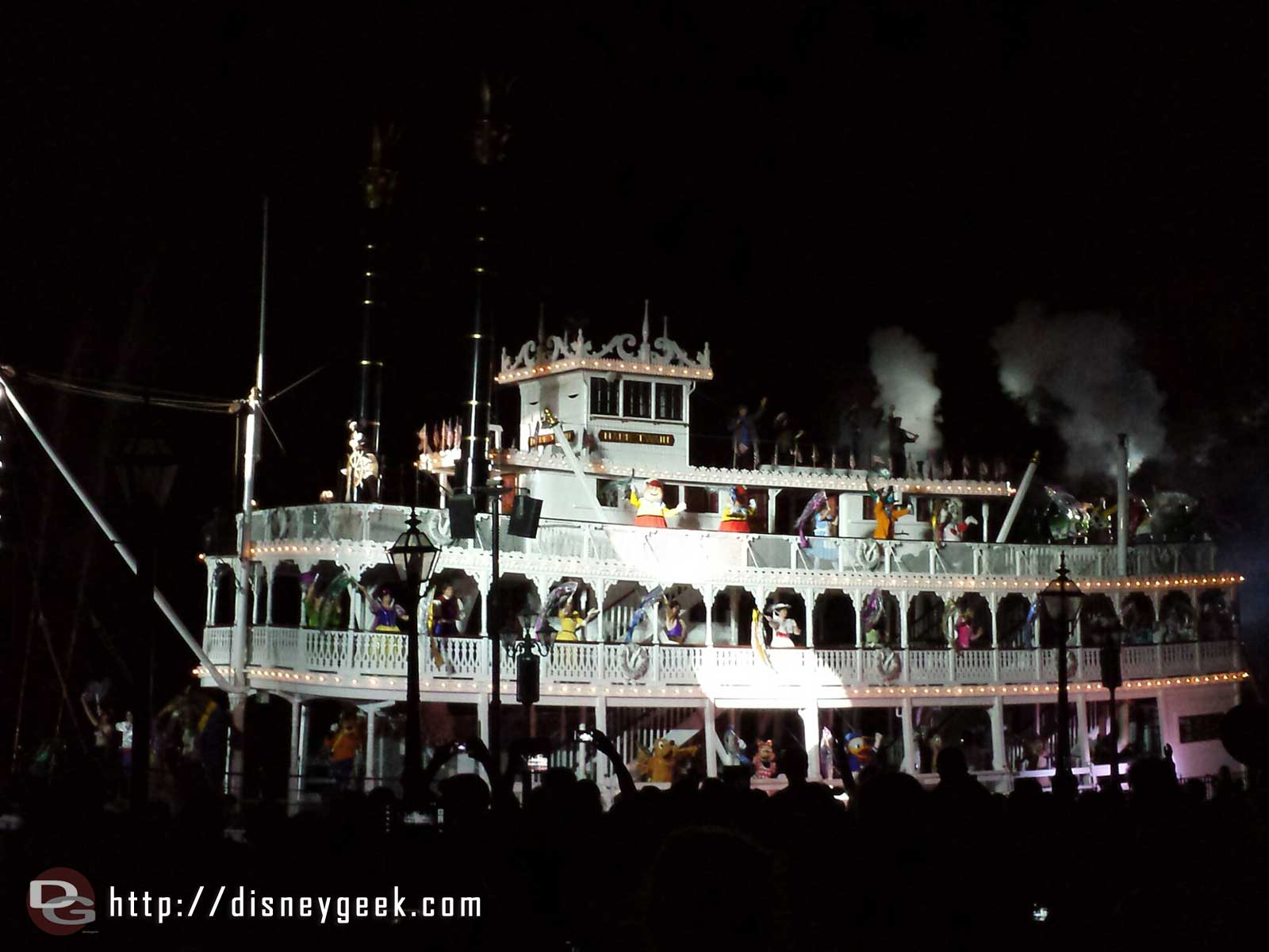 #Fantasmic the Mark Twain steaming by #Disneyland