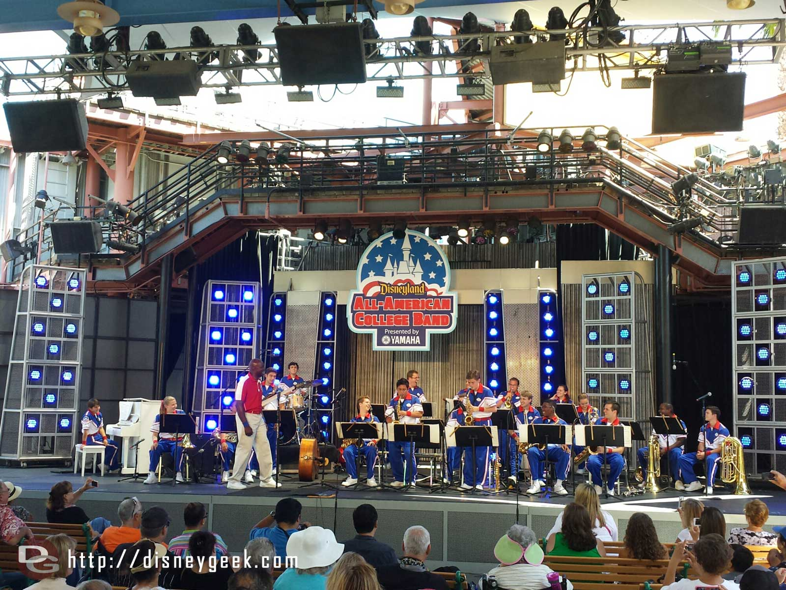 Enjoying one last set on the Backlot Stage by the 2014 #Disneyland All-American College Band
