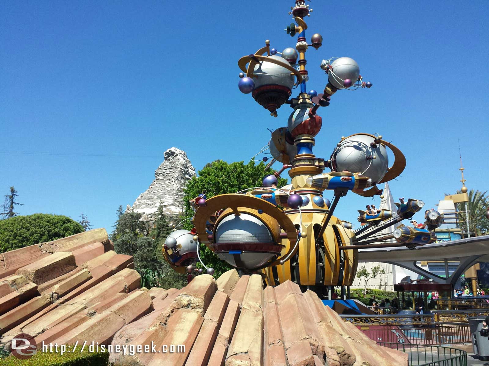 Astro Orbitor and Matterhorn as you enter Tomorrowland #Disneyland
