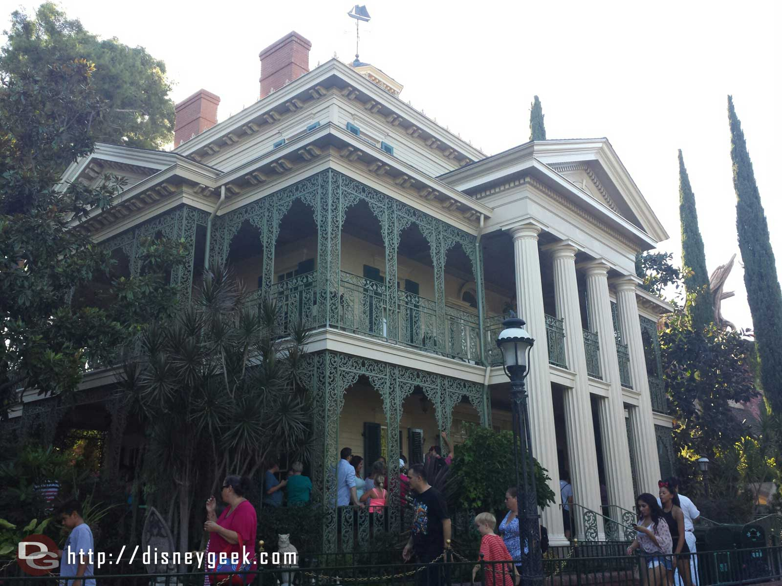 Last Saturday the Haunted Mansion turned 45 #Disneyland
