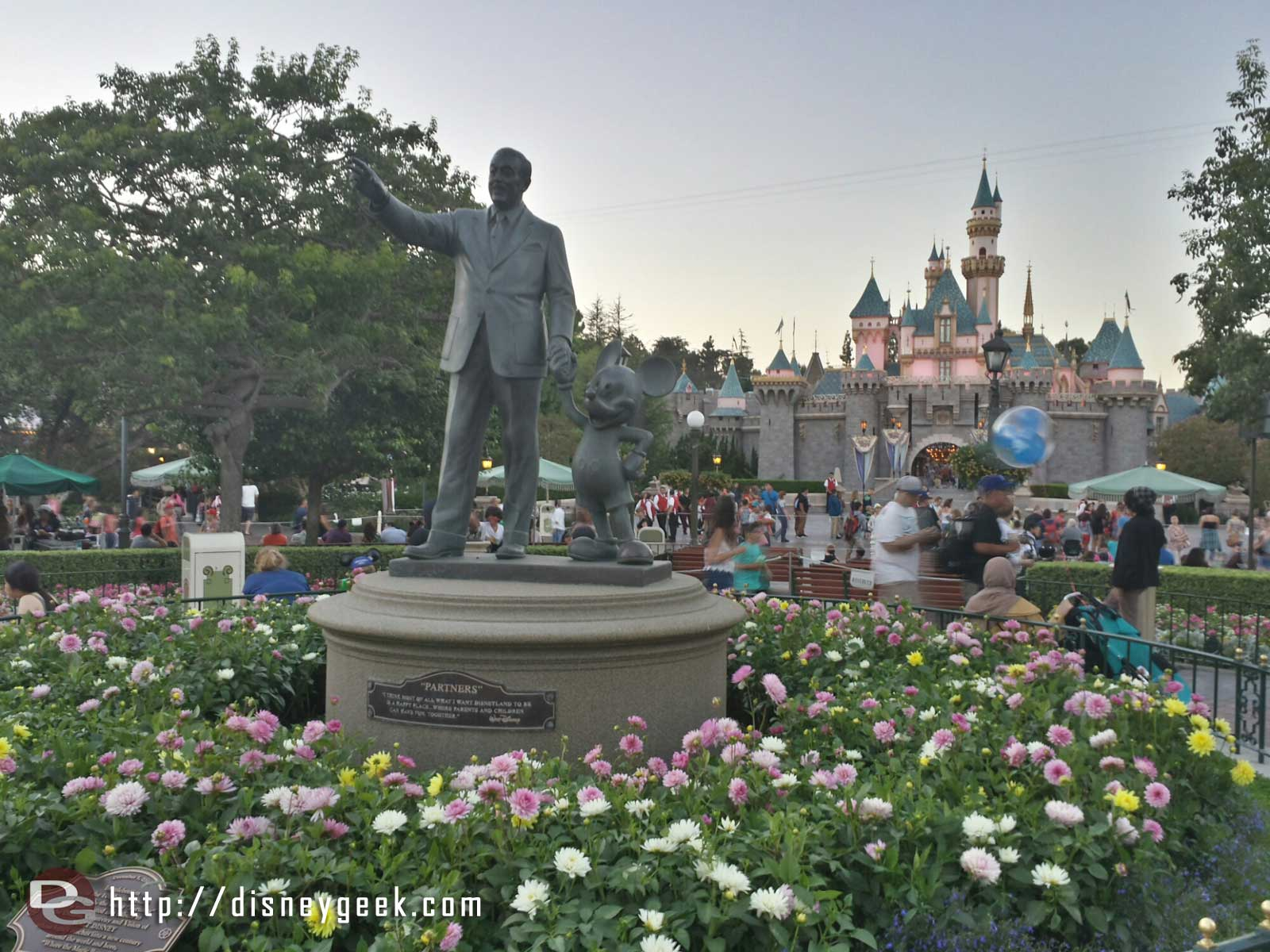Partners statue and Sleeping Beauty Castle #Disneyland