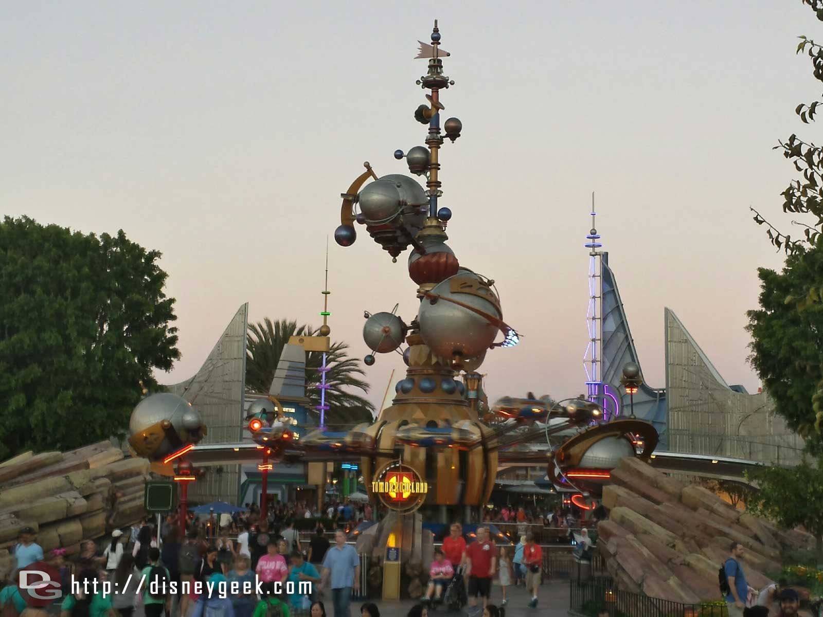 Tomorrowland Entrance / Astro Orbitor #Disneyland