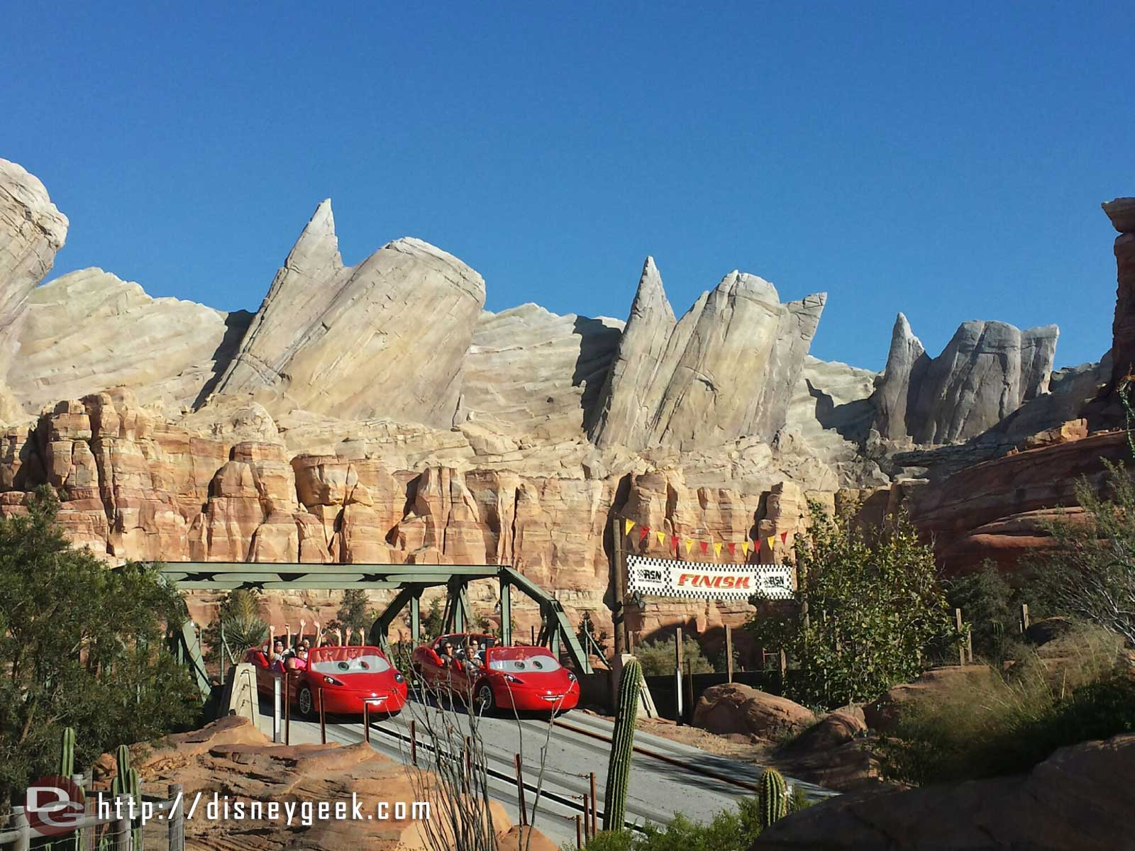Radiator Springs Racers I bet the red car wins this #CarsLand