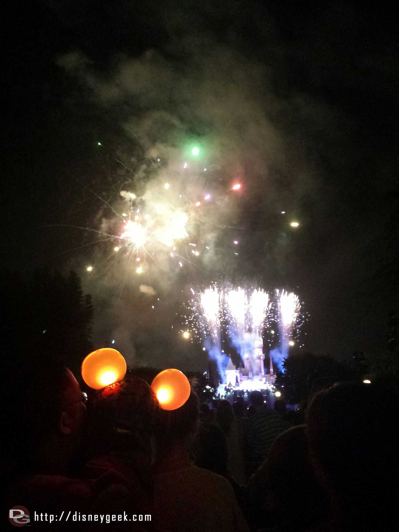 No Dumbo either but did see a couple pairs of glow with the show ears