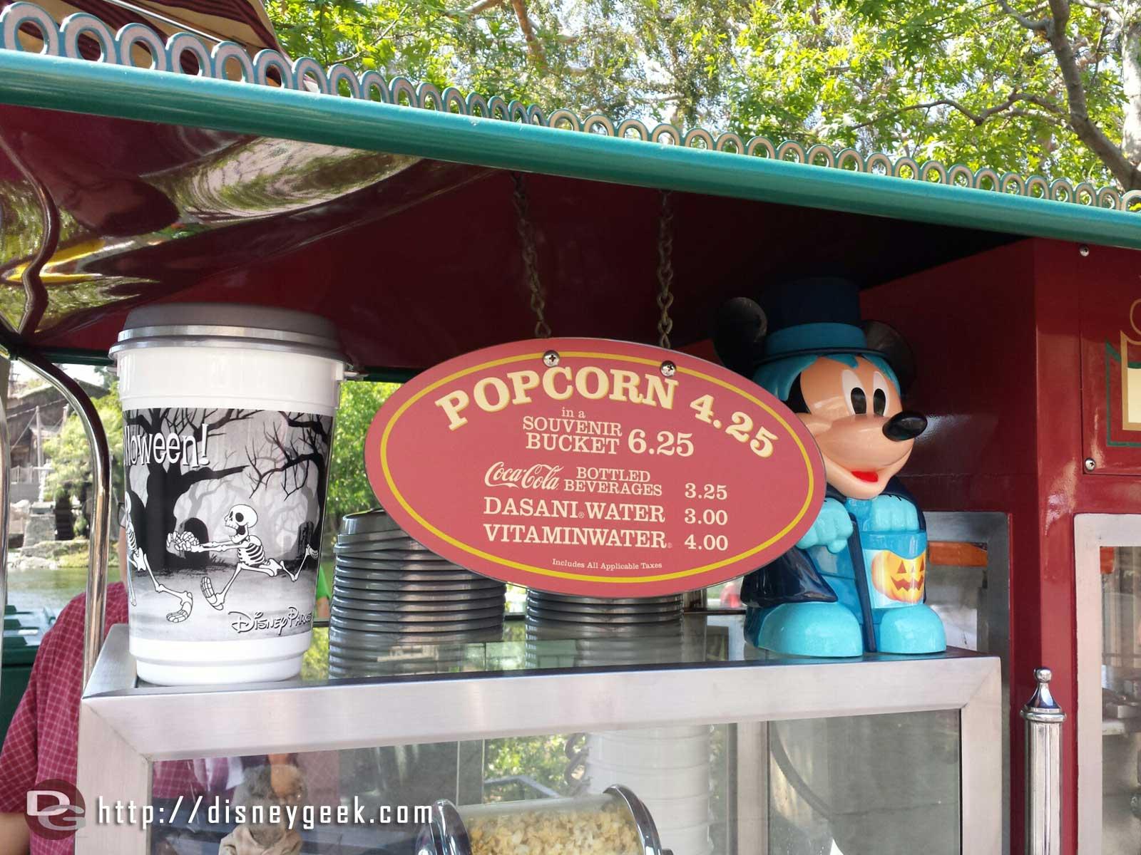 Disneyland Halloween Popcorn Bucket 2019.Halloween Souvenir Popcorn Buckets In Frontierland