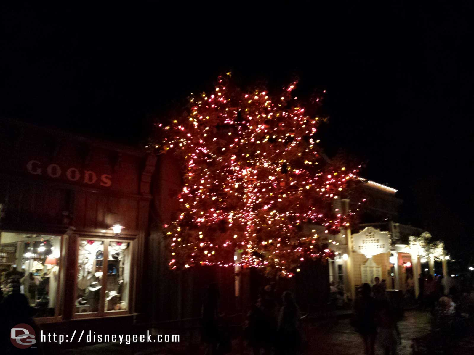 The Halloween Tree in Frontierland #Disneyland