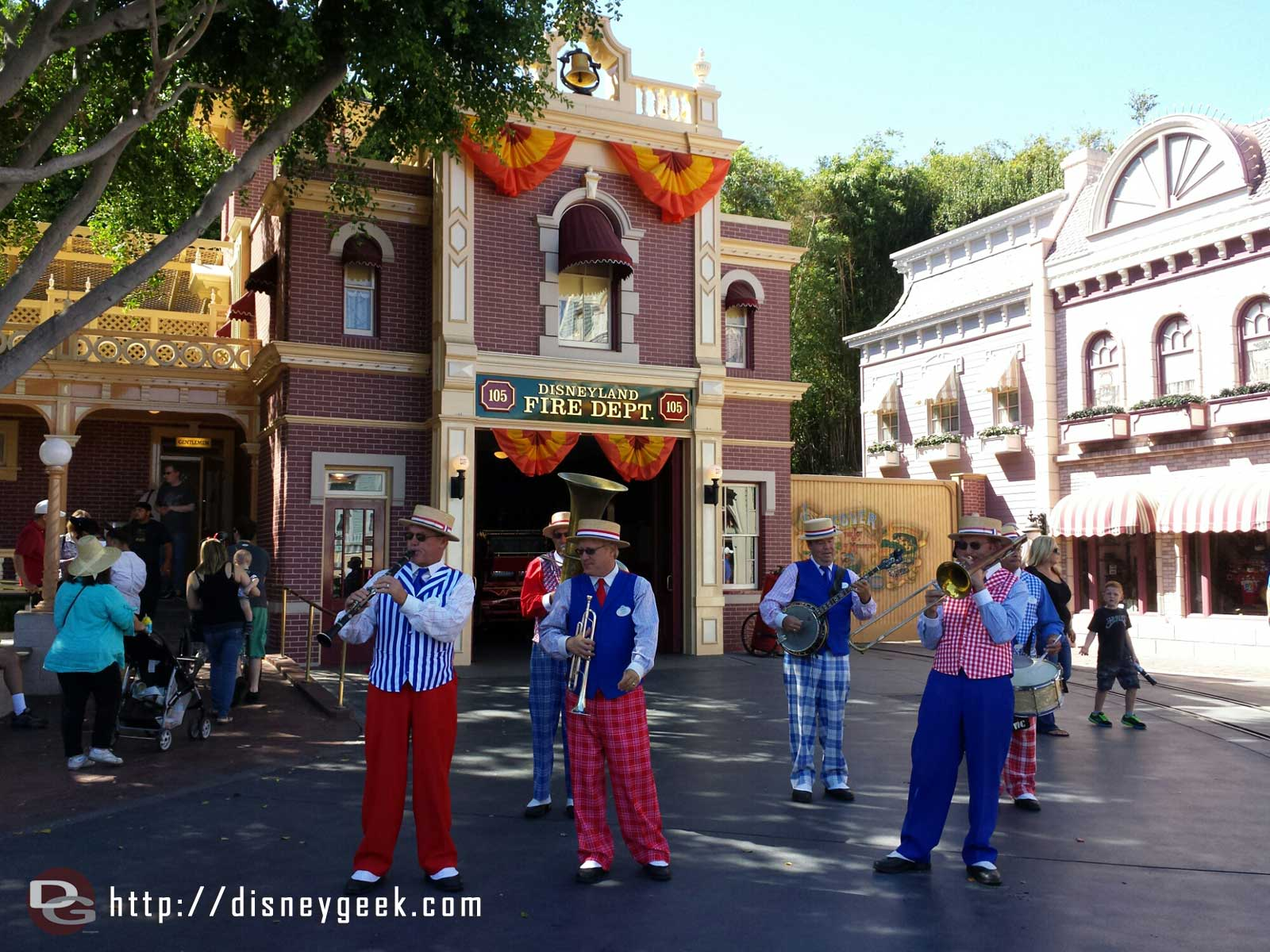 The Straw Hatters performing on Main Street USA #Disneyland