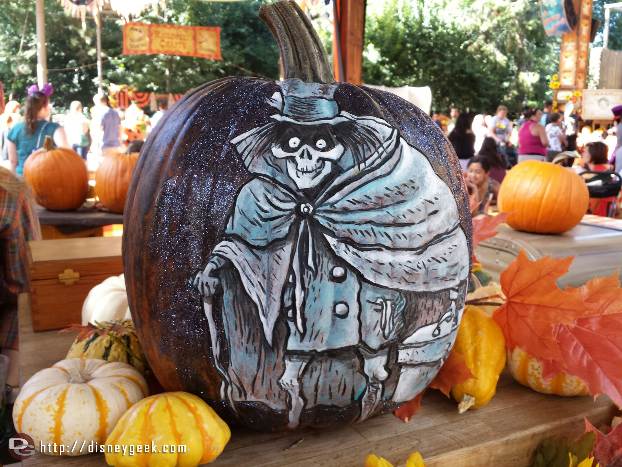 Hatbox Ghost pumpkin #HalloweenTime #Disneyland