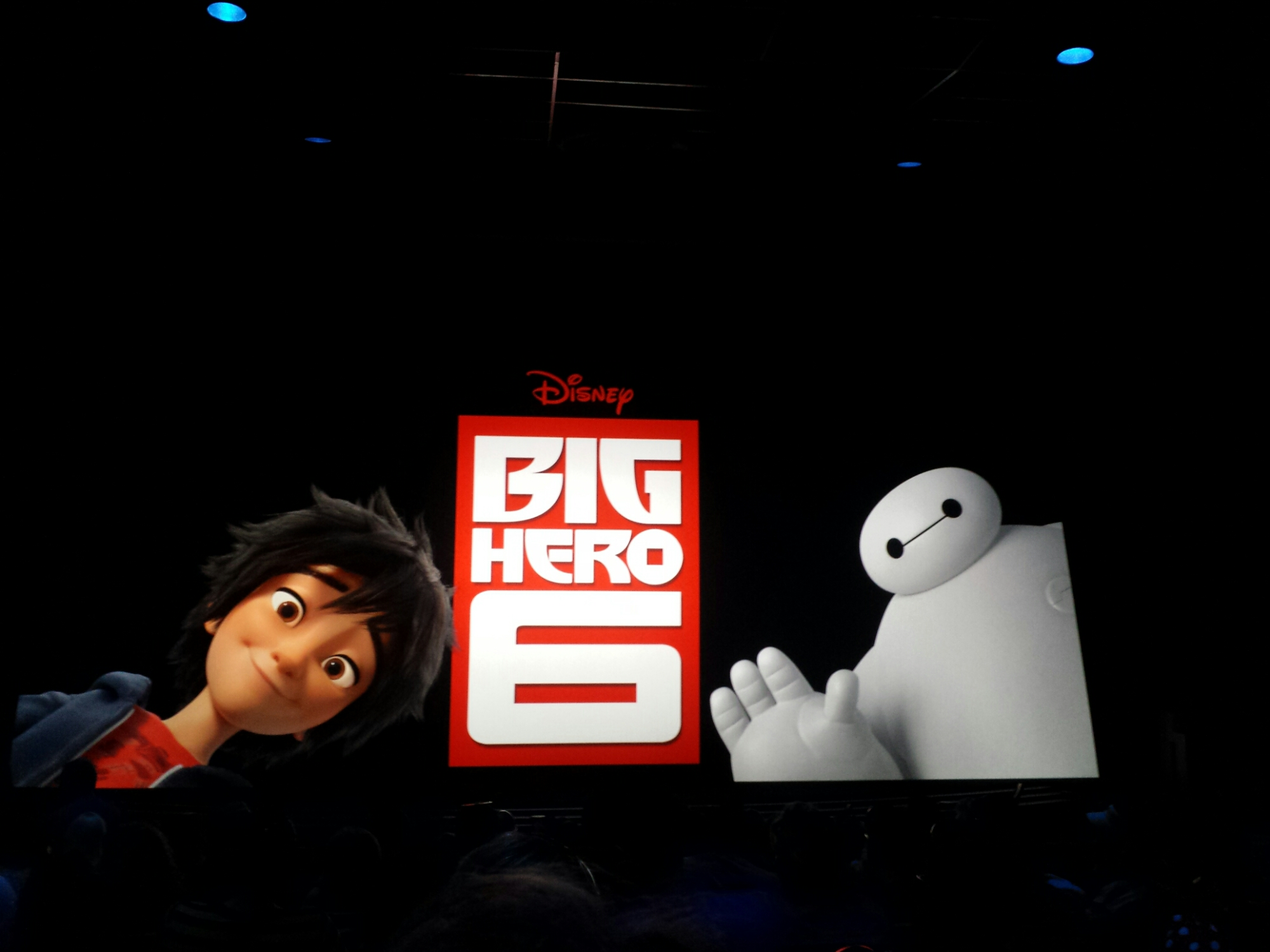 Time for the #BigHero6 preview #Disneyland