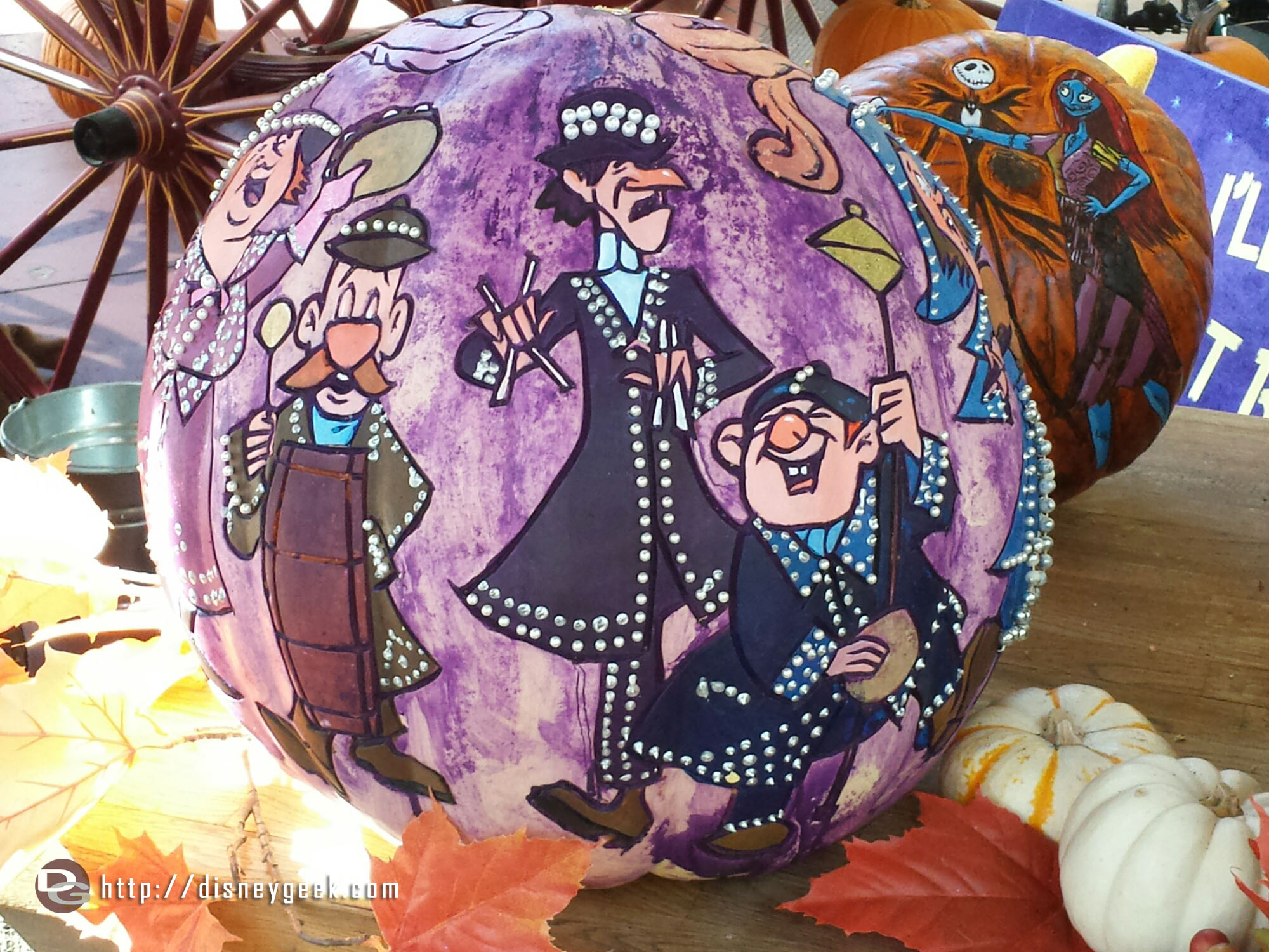 A Pearly Band inspired pumpkin #HalloweenTime #Disneyland