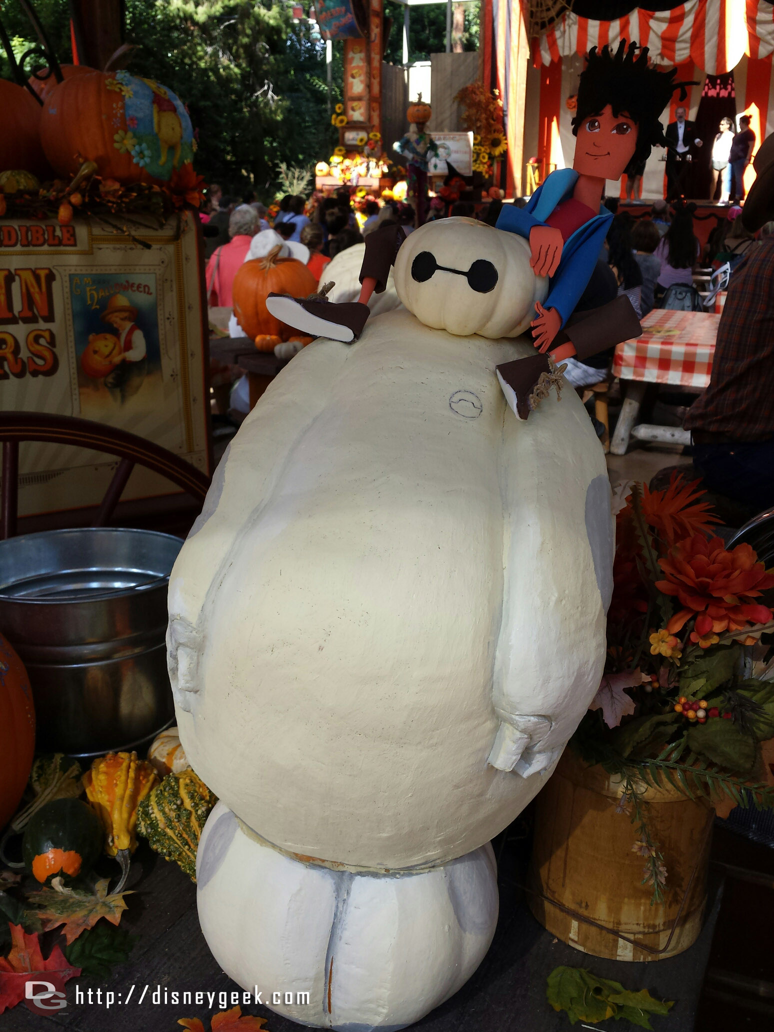 #Baymax pumpkin with Hiro #BigHero6 #Disneyland #HalloweenTime
