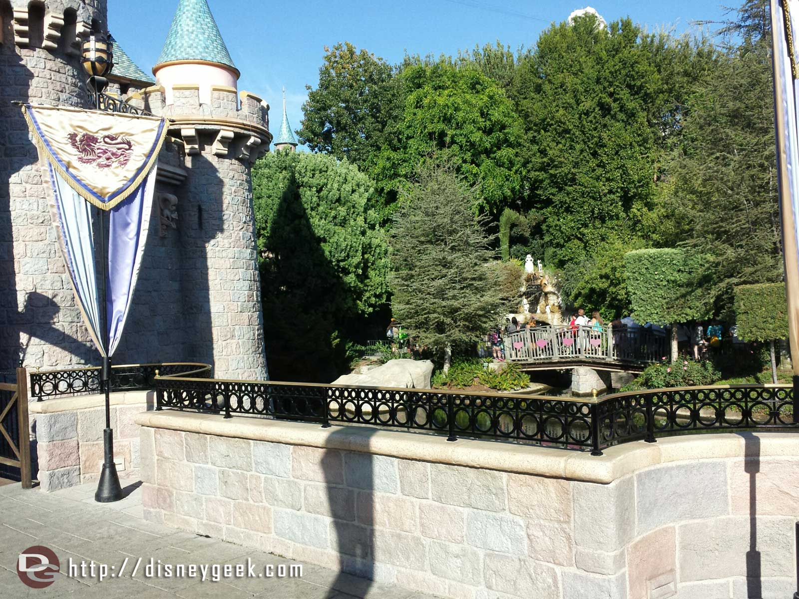 Another view of the new railings #Disneyland