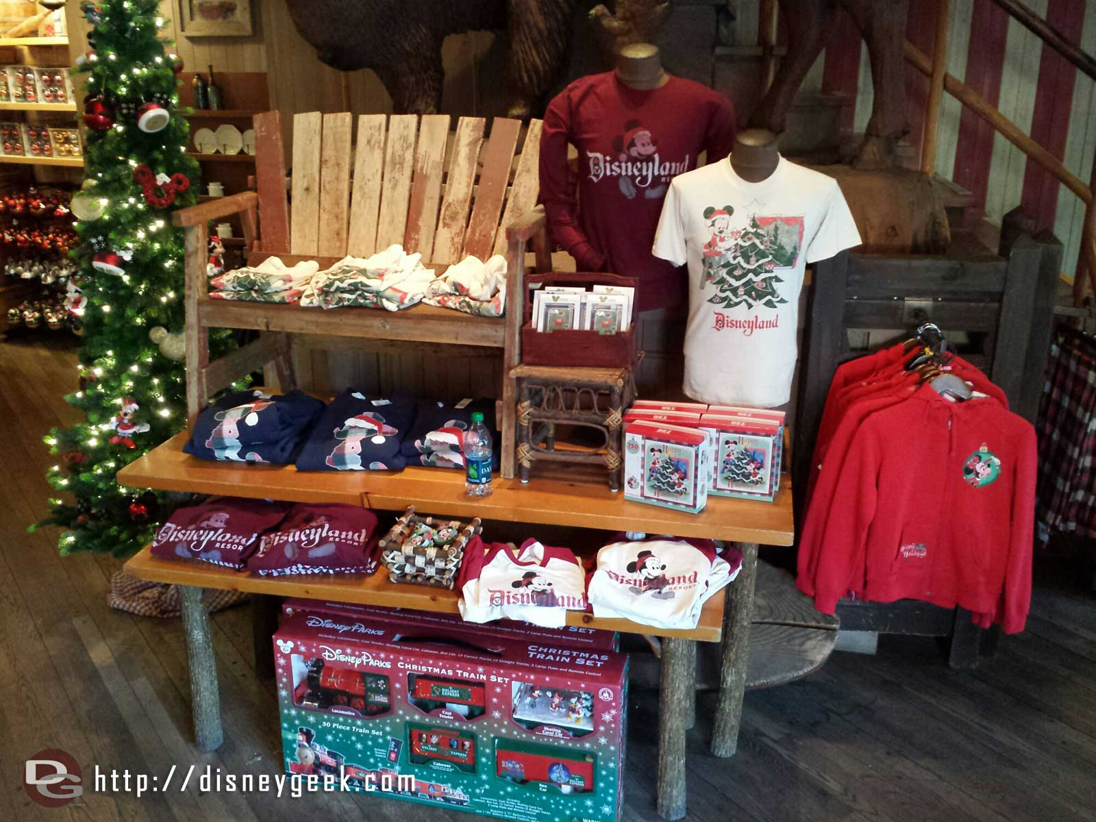 In Frontierland the Silver Spur Supplies store has become a Christmas store #Disneyland