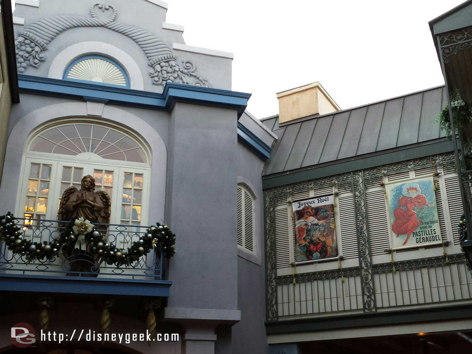 More New Orleans Square Christmas decorations #Disneyland