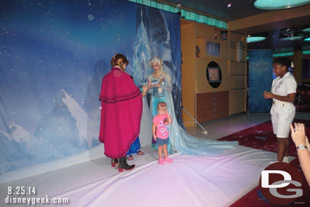 Disney Fantasy - Frozen Meet and Greet backdrop/set