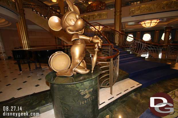 Disney Fantasy - Minnie in the atrium