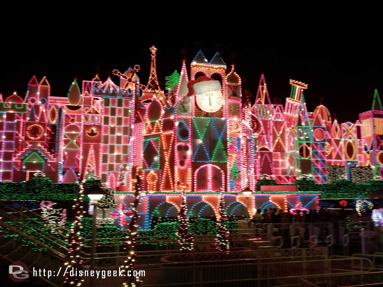 Small World Holiday this evening #Disneyland