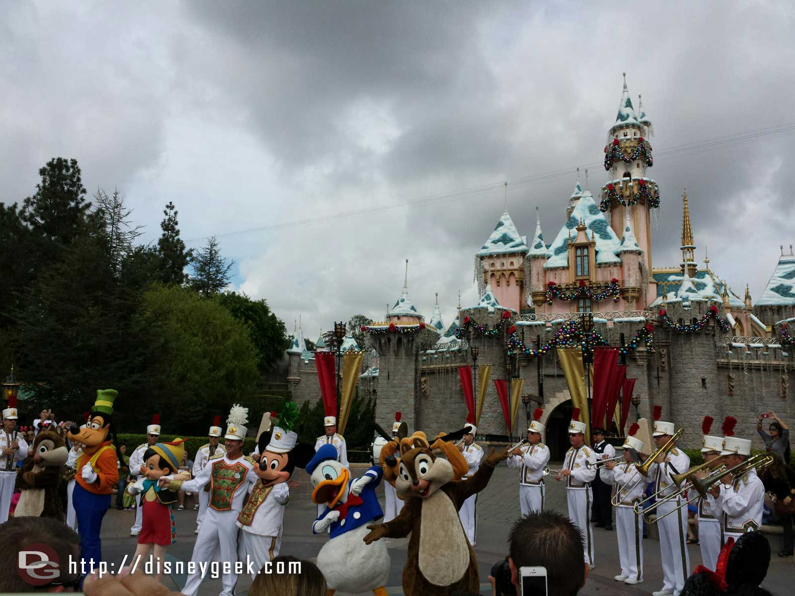 Mickey & the gang join the #Disneyland Band in front of Sleeping Beauty Castle