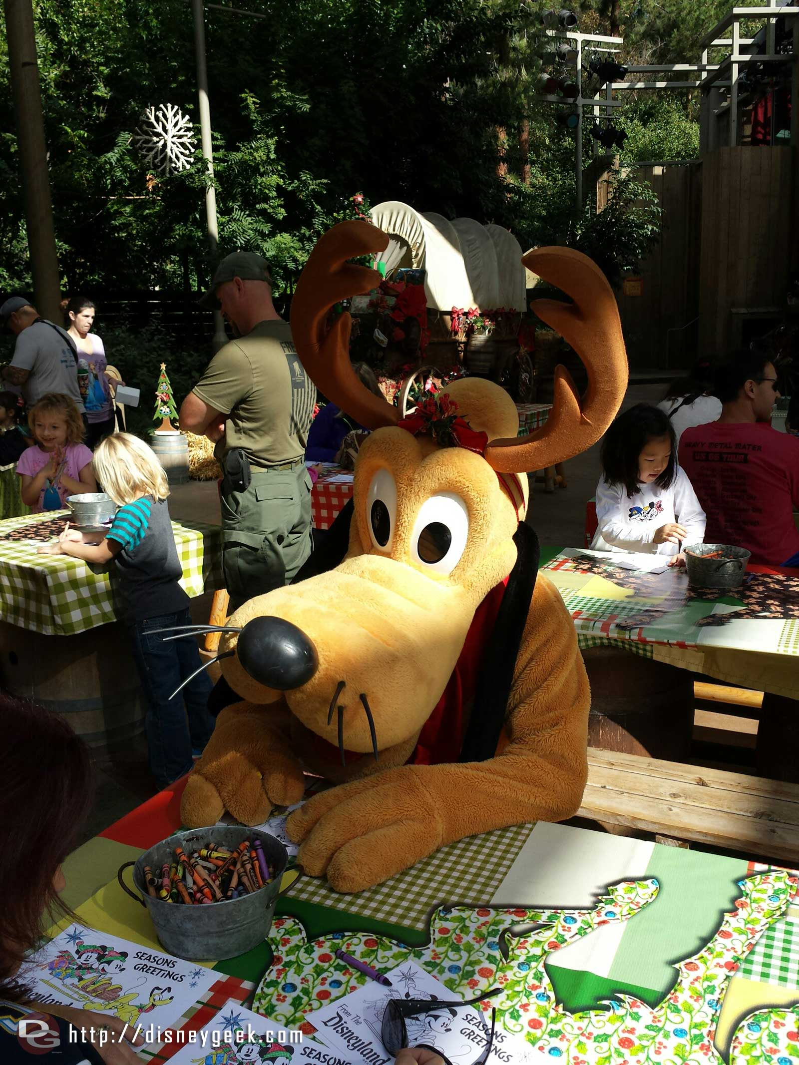 Reindeer Pluto coloring at the Jingle Jangle Jamboree #Disneyland