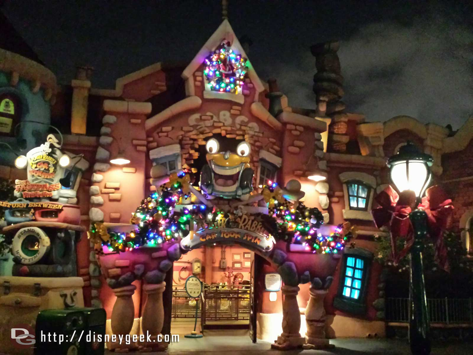 Roger Rabbit Car Toon Spin Christmas lights #Disneyland #ToonTown