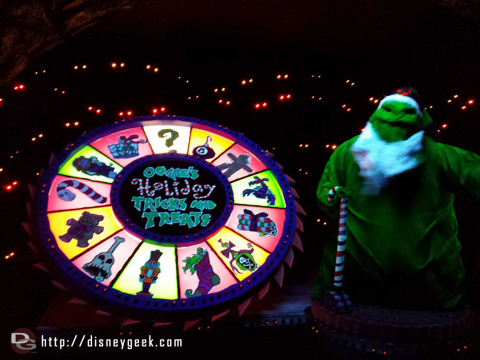Oogie's Holiday Tricks and Treats – Haunted Mansion Holiday #Disneyland