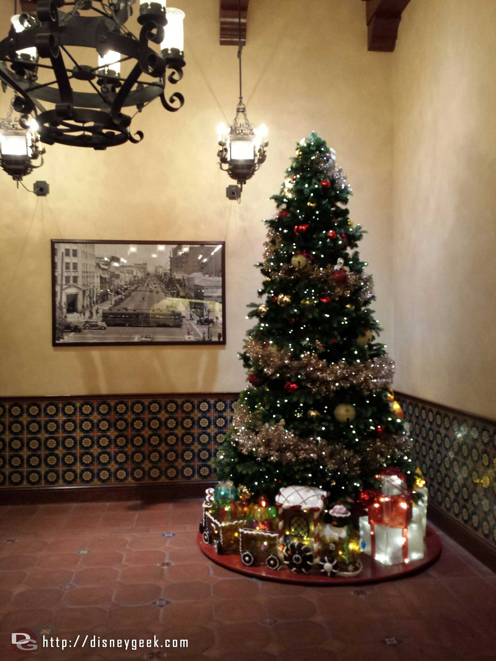Christmas tree in the Elysian Arcade across from Kingswell Camera #BuenaVistaStreet