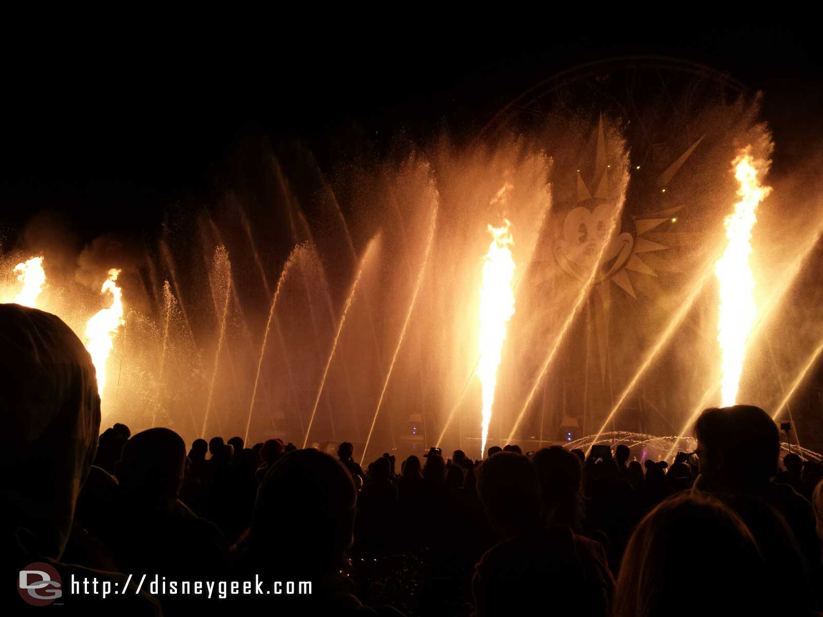 "World of Color – Winter Dreams – ""In Summer"" features fire"
