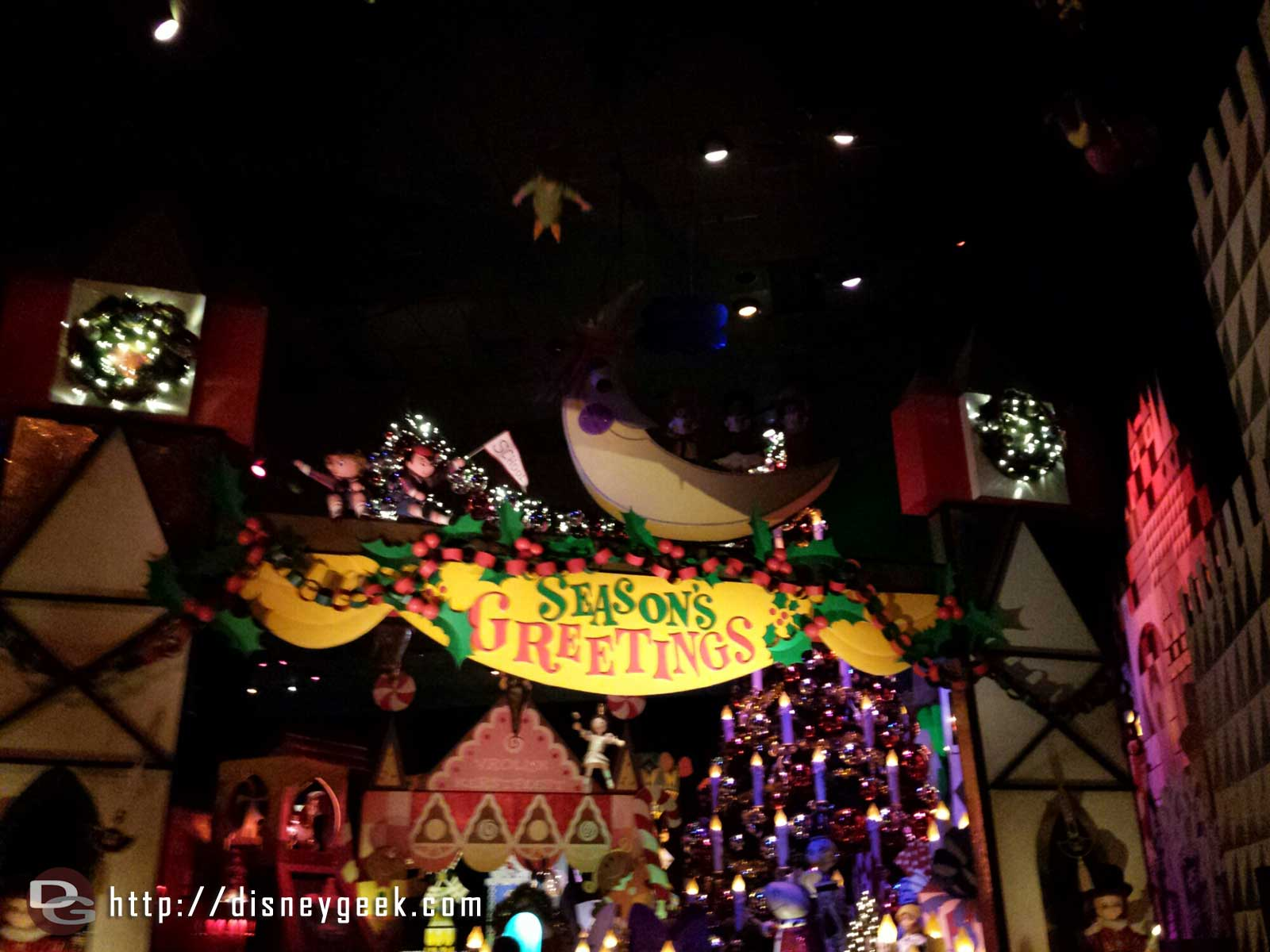 Season's Greetings from Small World Holiday #Disneyland