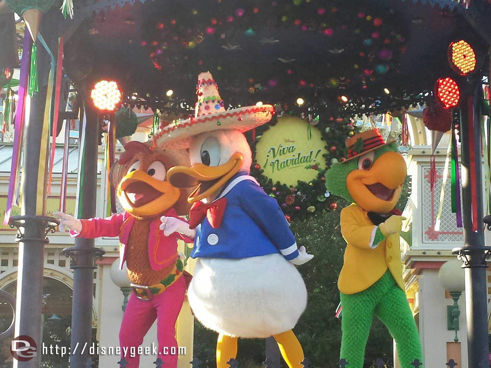 ¡Viva Navidad! Street Party time