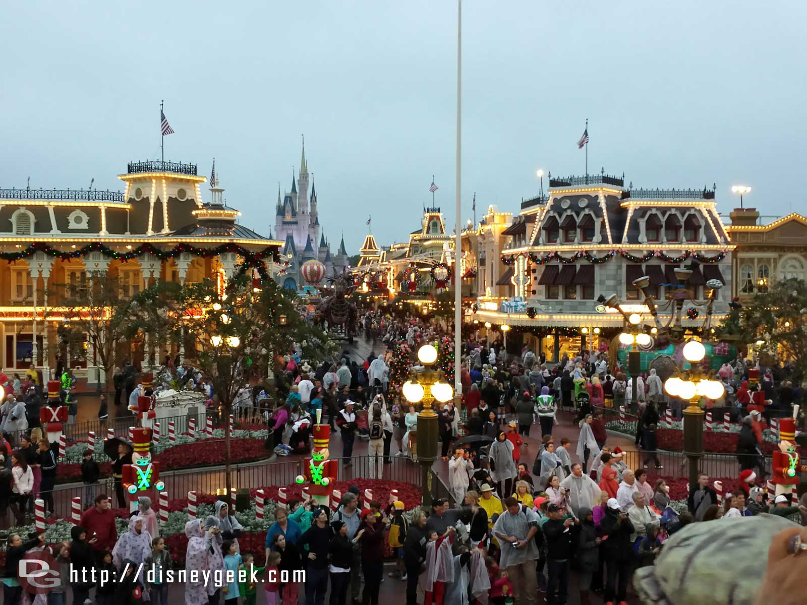 Town Square without its Christmas tree and Festival of Fantasy making its way through – #WDW