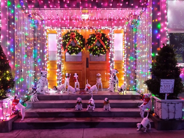 The Osborne Family Spectacle of Dancing Lights is back again at Disney's Hollywood Studios.