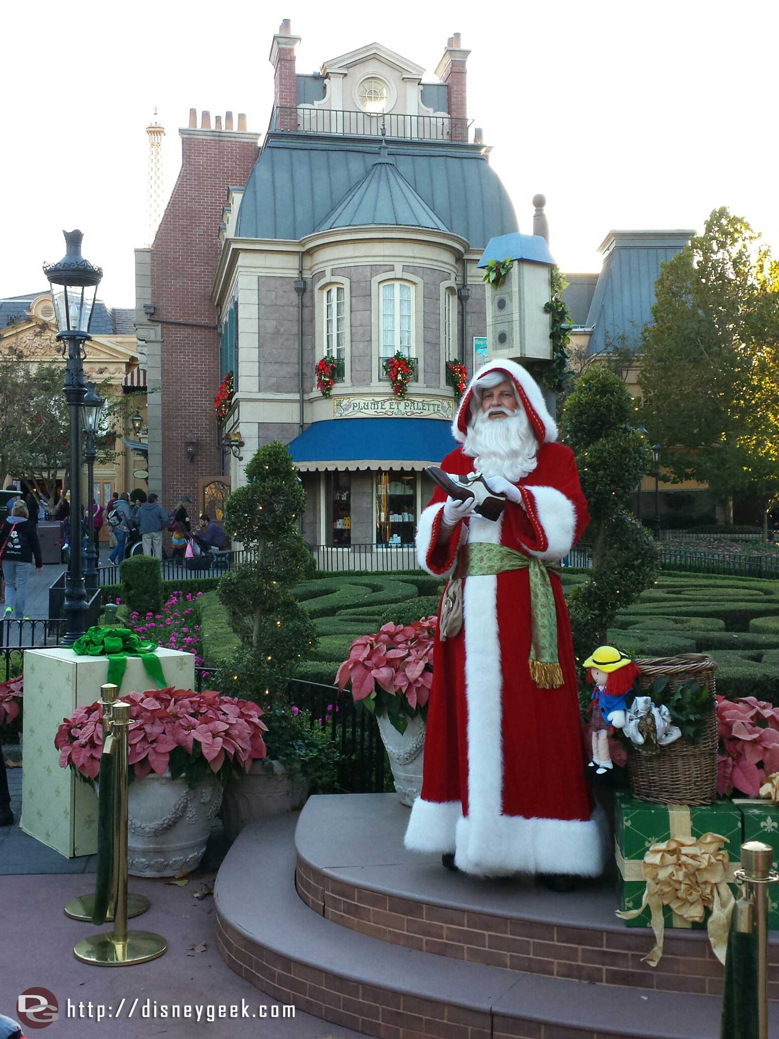 Pere Noel in France #Epcot World Showcase