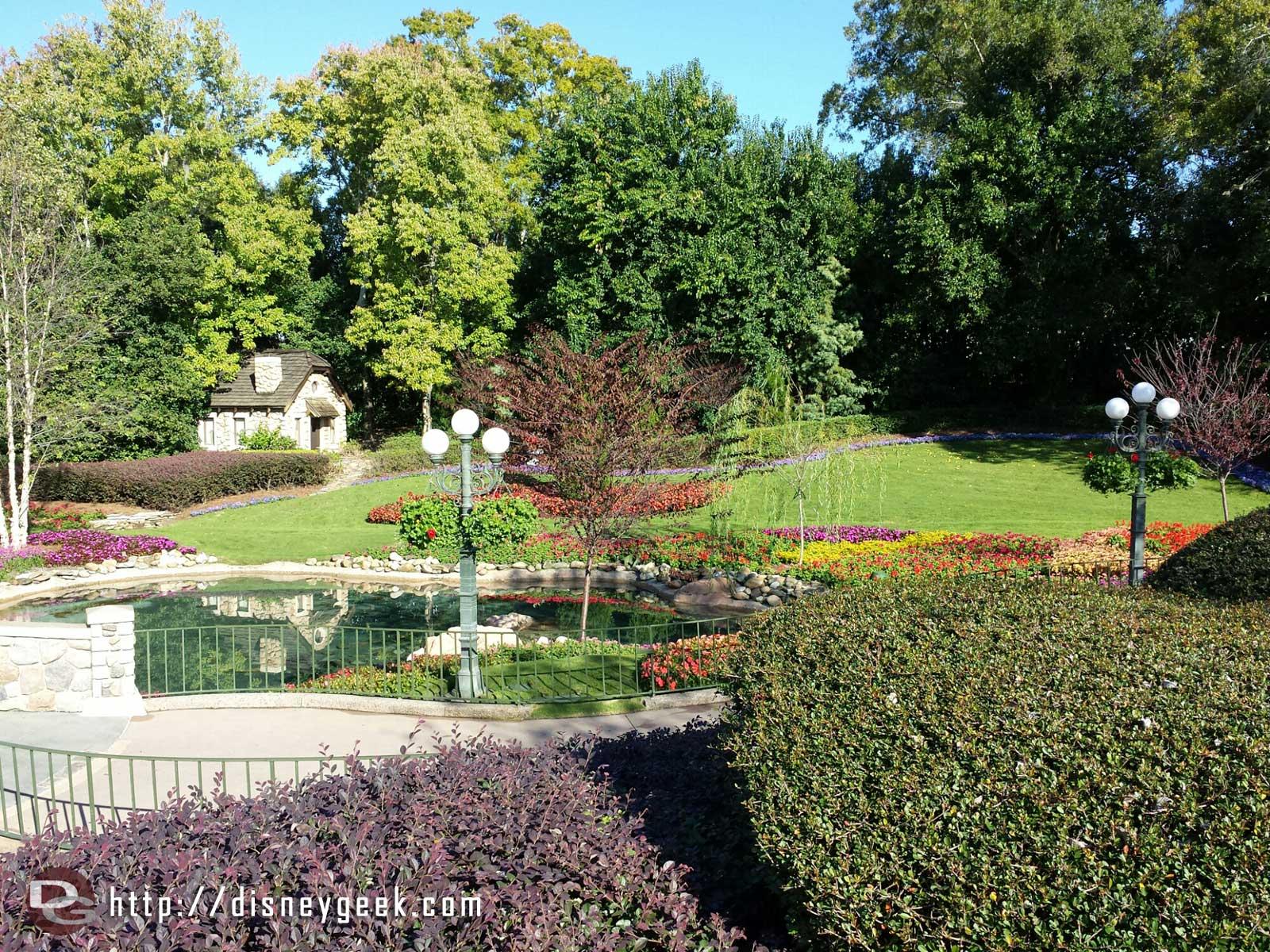 Victoria Gardens – #Epcot Canada