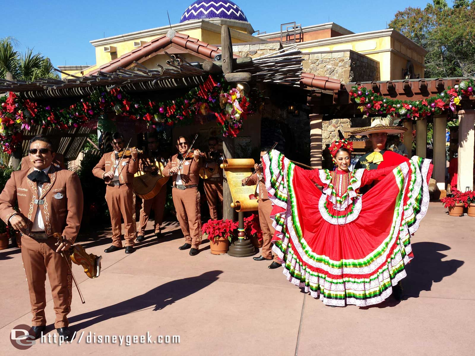 Mariachis & Dancers – Mexico – #Epcot Holidays Around the World