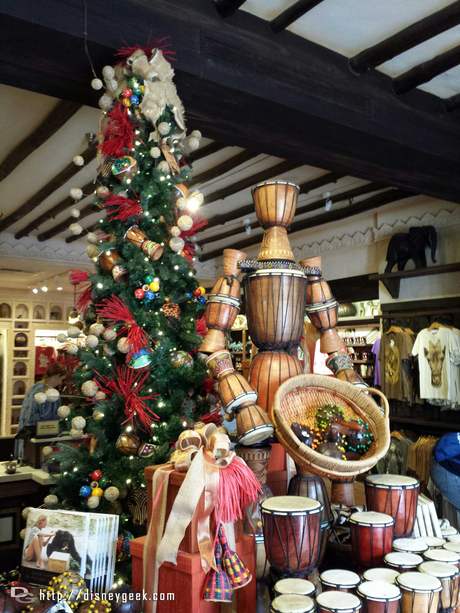 Harambe Marketplace Christmas tree – Disney's Animal Kingdom