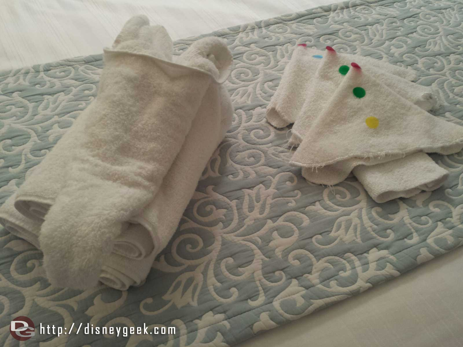 A couple of towel creations greeted us this evening back in the room.. #WDW
