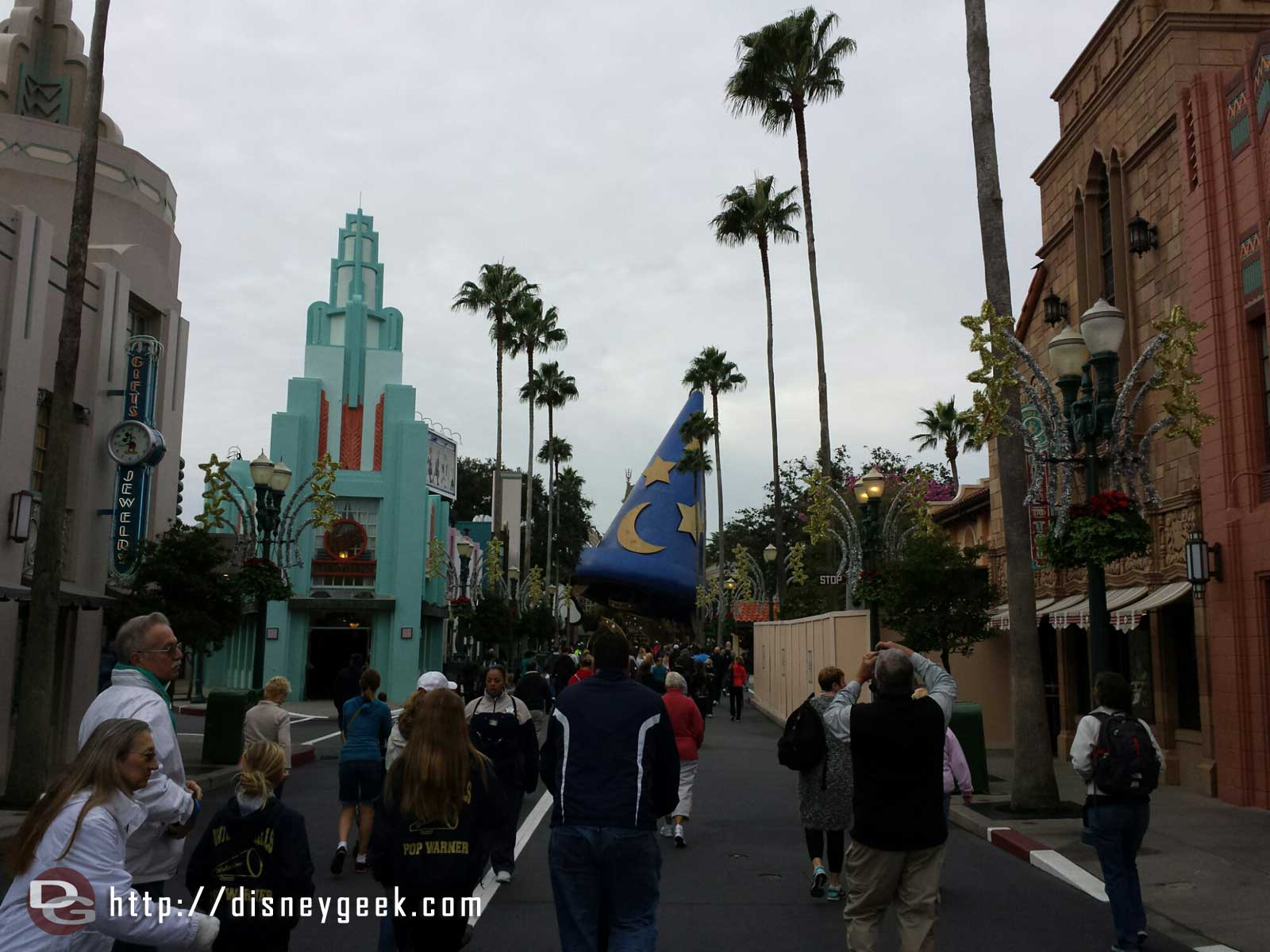 Hollywood Blvd as the park is opening – Disney's Hollywood Studios