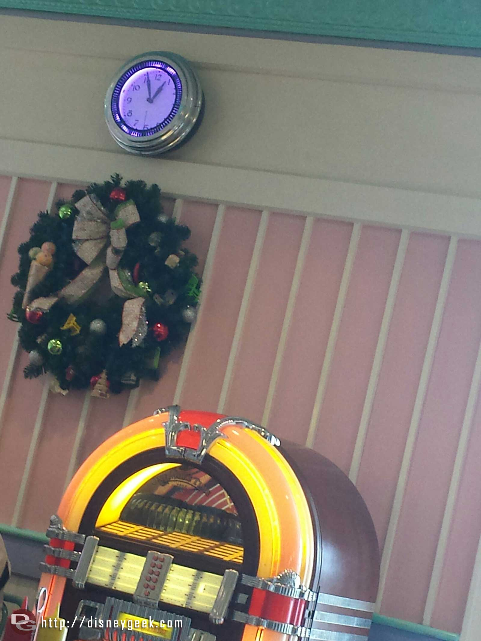 Lunch @ Beaches & Cream today, a wreath near the jukebox #WDW