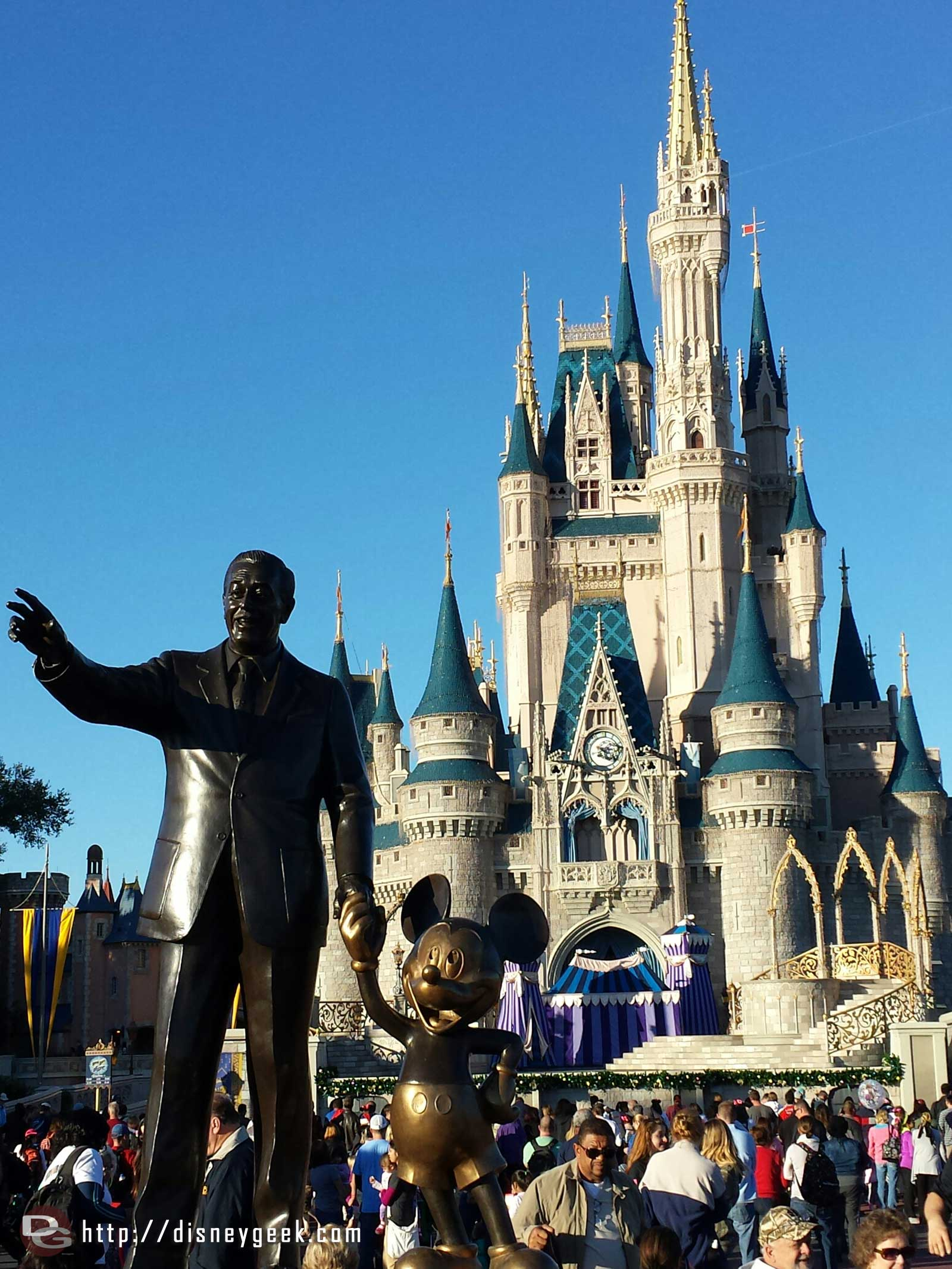 Partners Statue and Cinderella Castle – Magic Kingdom #WDW