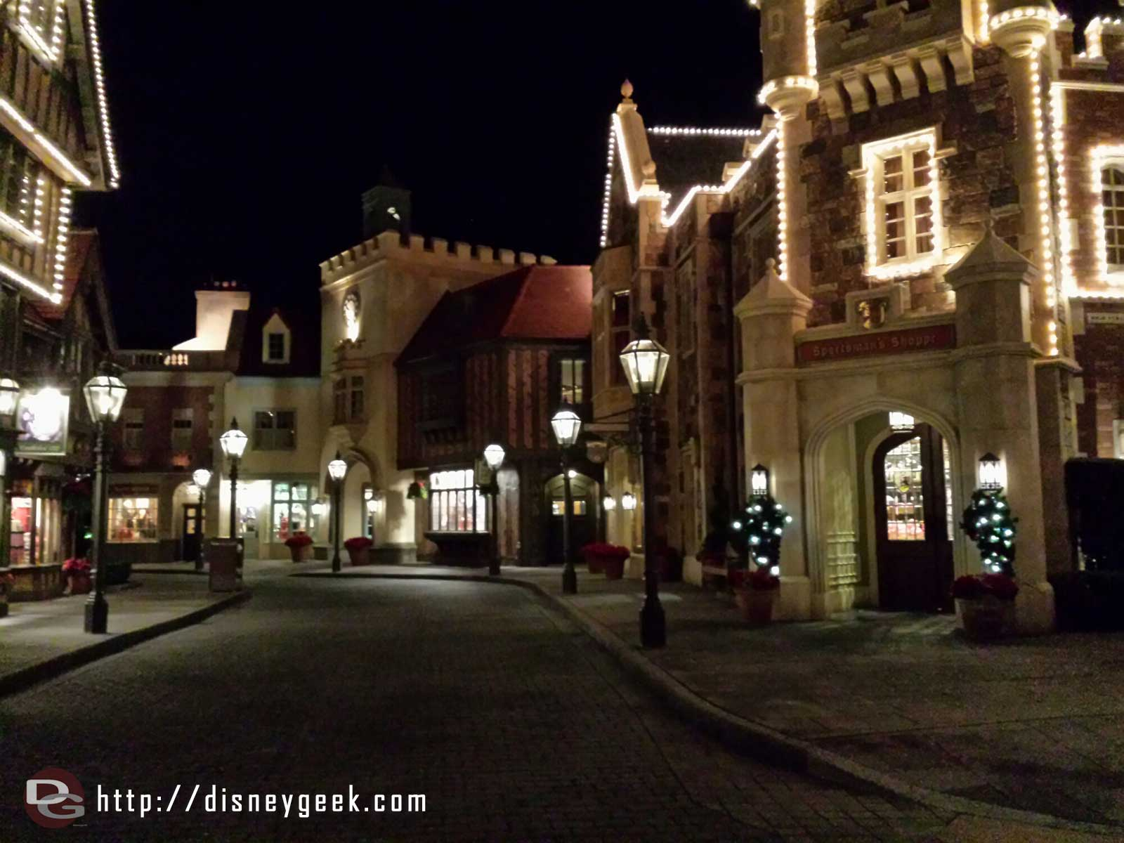 Passing through a quiet UK on the way out #Epcot World Showcase