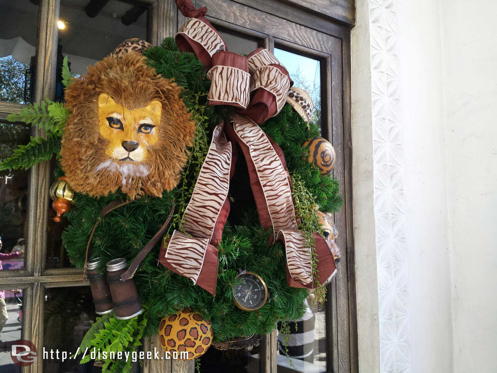 A wreath at the marketplace in Harambe #WDW