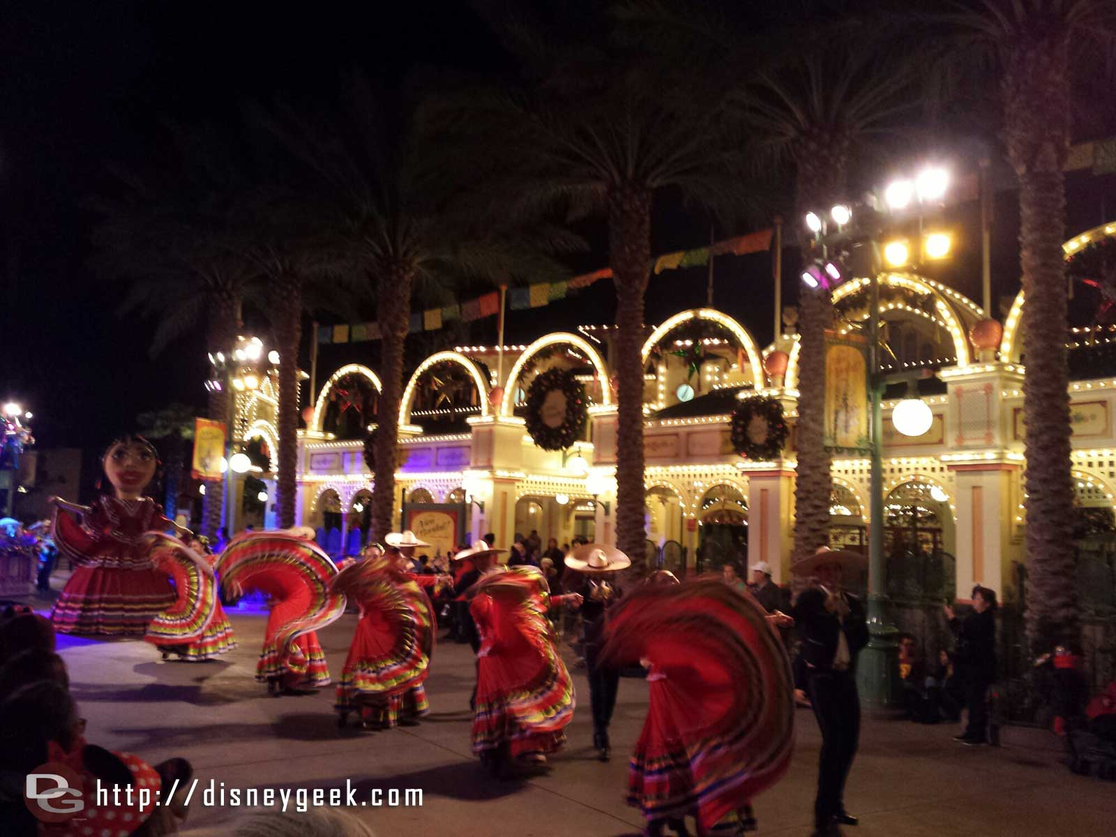 ¡Viva Navidad! Street Party time at Disney California Adventure