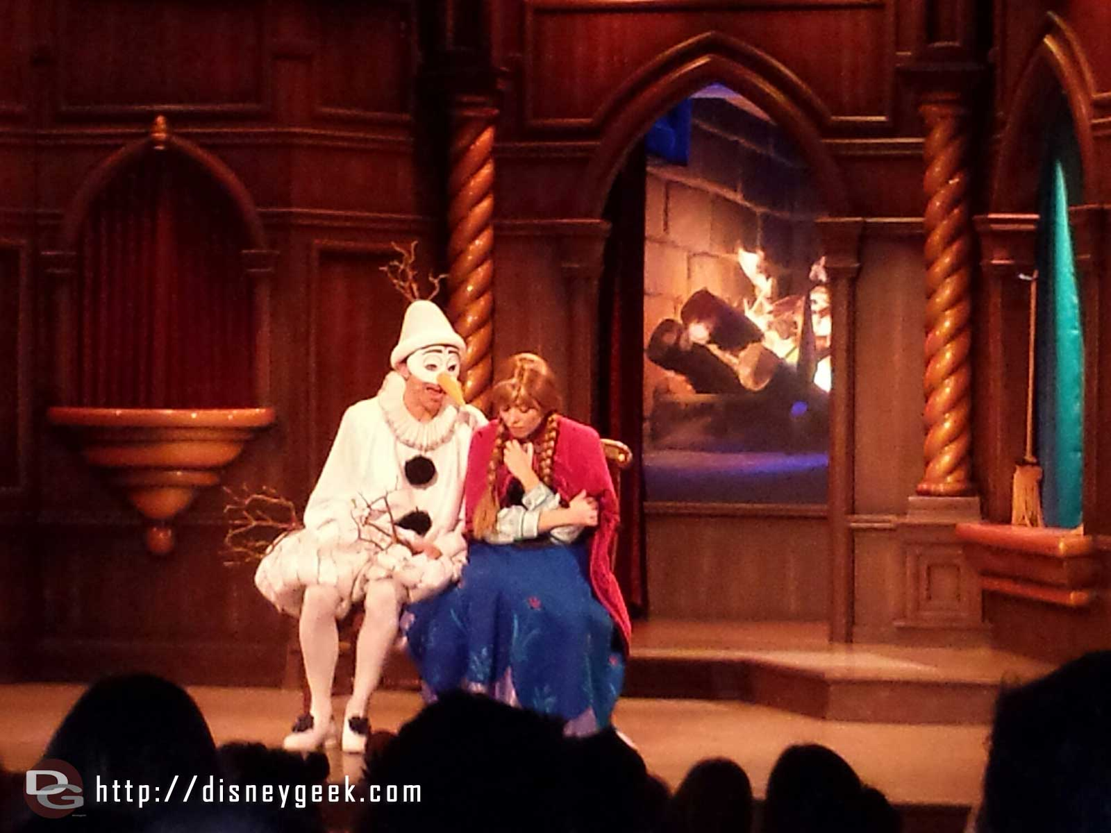 Olaf & Anna in the Royal Theatre performance of #Frozen